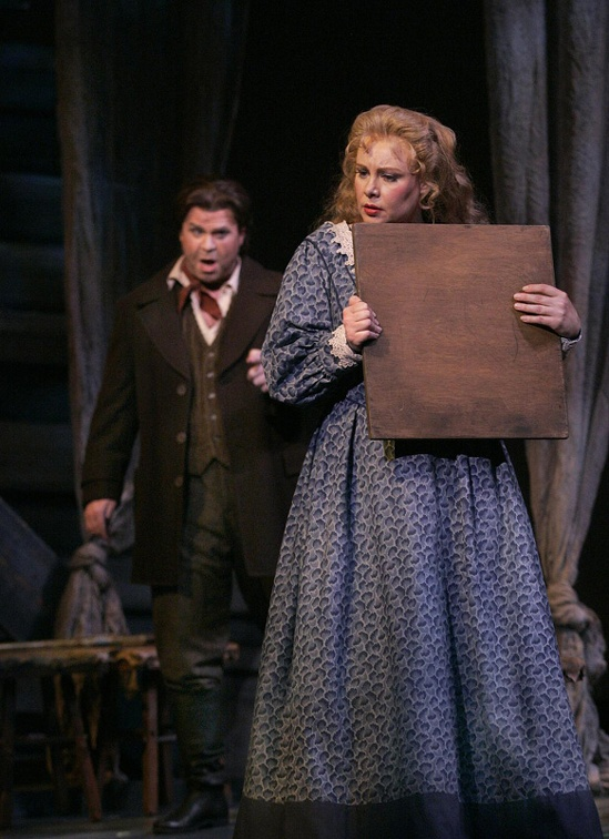 Senta & Erik - Photo courtesy of Arizona Opera .jpg