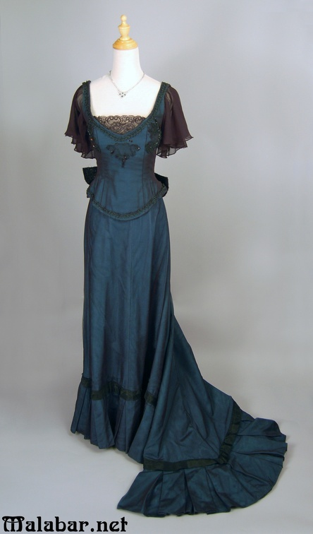 Late Victorian day female green.jpg