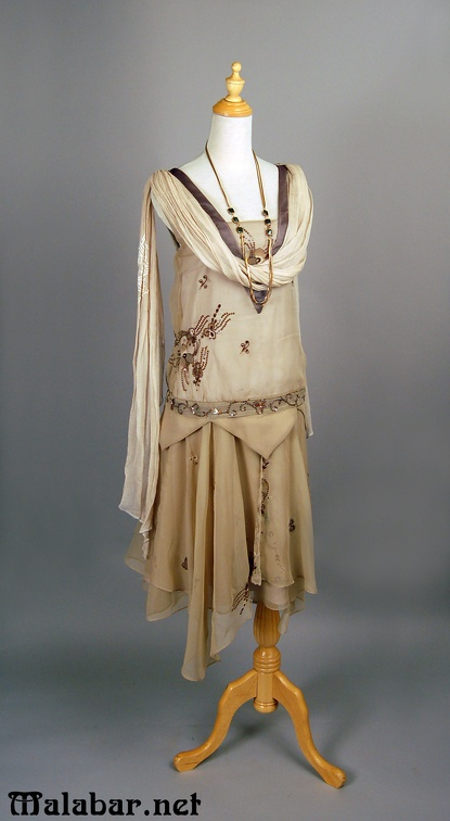 1920s day female beige.jpg