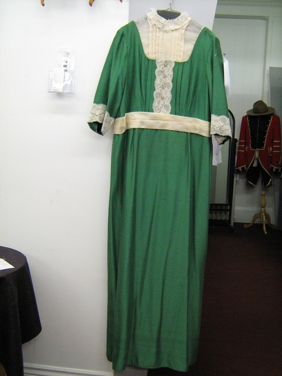 1910 dress green with lace.jpg