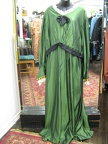 1910 gown green no shawl