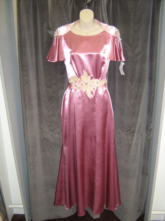 1930's dress Shiny pink.jpg
