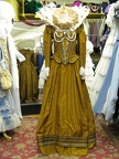 Elizabethan dress gold with ruff & large collar