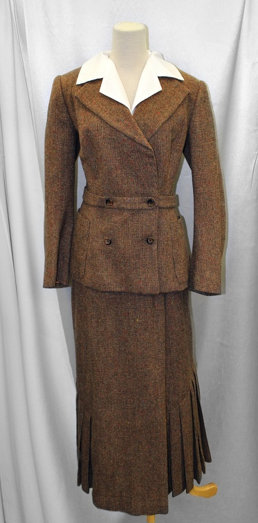 1940's Women's Suit Brown.JPG