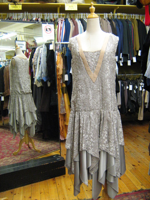 Flapper grey & peach velvet.jpg