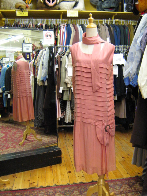 Flapper salmon pleated.jpg
