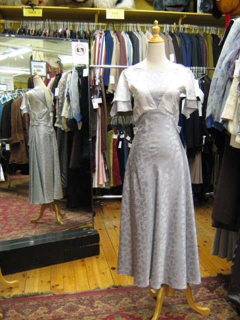1930's dress grey & white.jpg