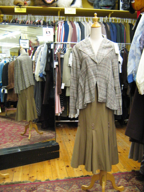 1930's suit brown plaid.jpg