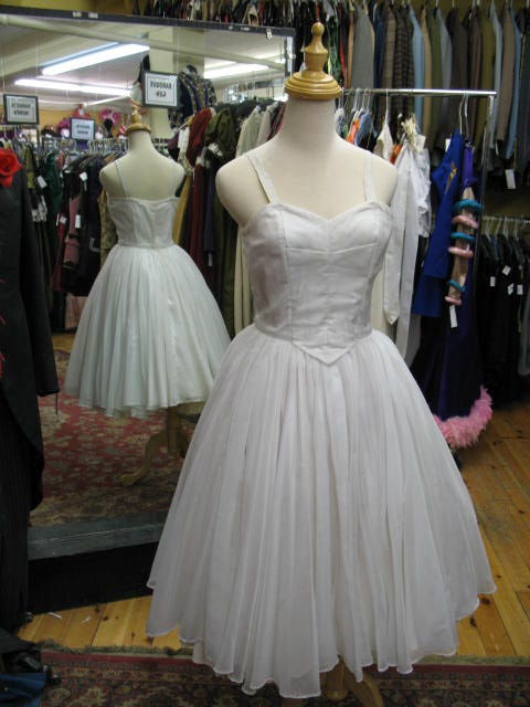 1950's dress white full skirt.JPG