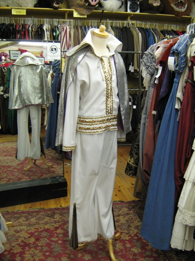 1970'S Entertainer 2-piece with cape.jpg