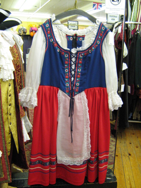Dirndl red and blue large.jpg