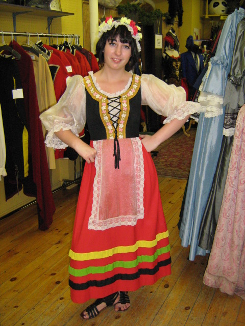 Dirndl red long skirt.jpg