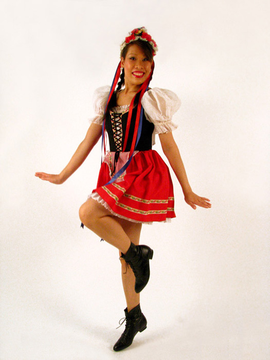 Dirndl short red.jpg