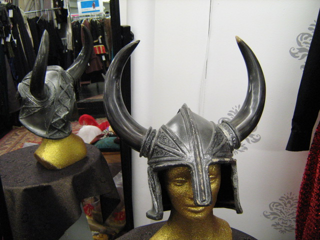 Viking Hlemet nose-guard black horns.jpg