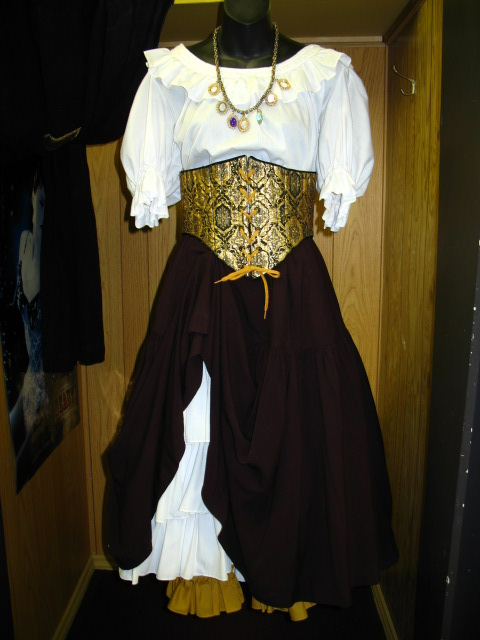 Wench gold cincher.JPG