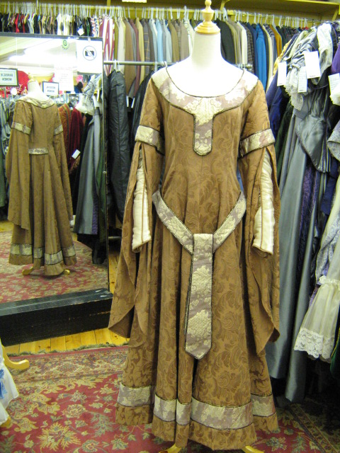 Dress Medieval brown brocade.jpg