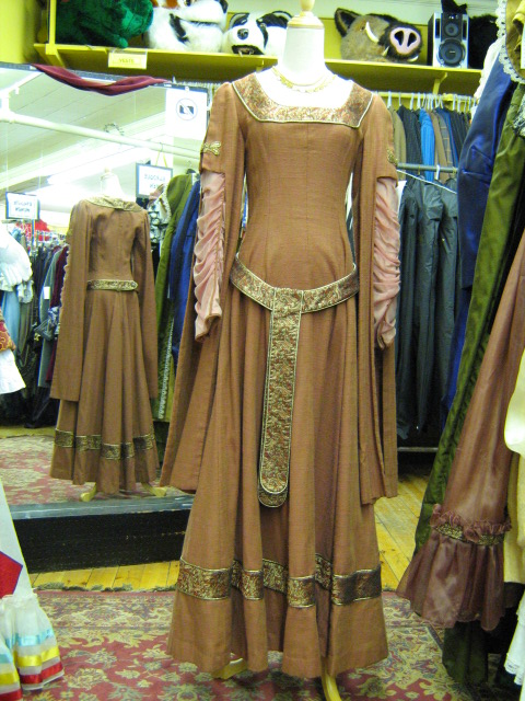 Dress Medieval Light Brown.jpg