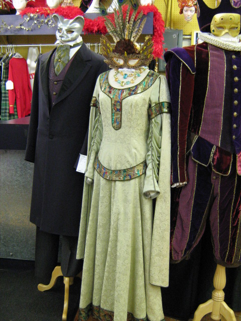 Dress Medieval light green.jpg