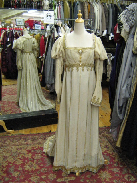 Dress Renaissance Ivory & Gold.jpg