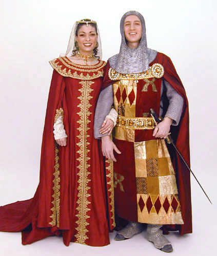 Medieval couple red.jpg