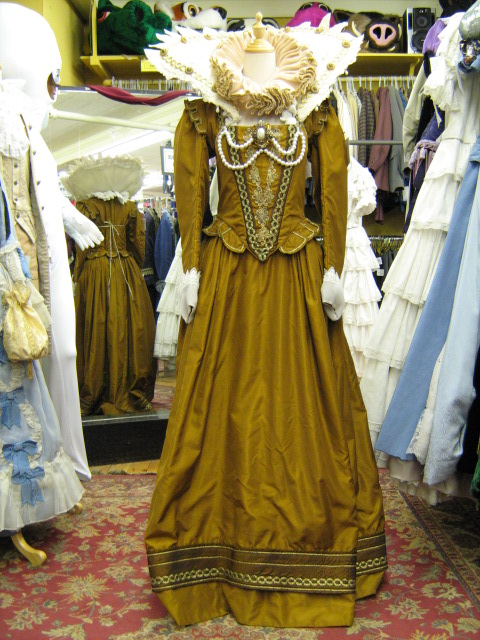 Elizabethan dress gold with ruff & large collar.jpg