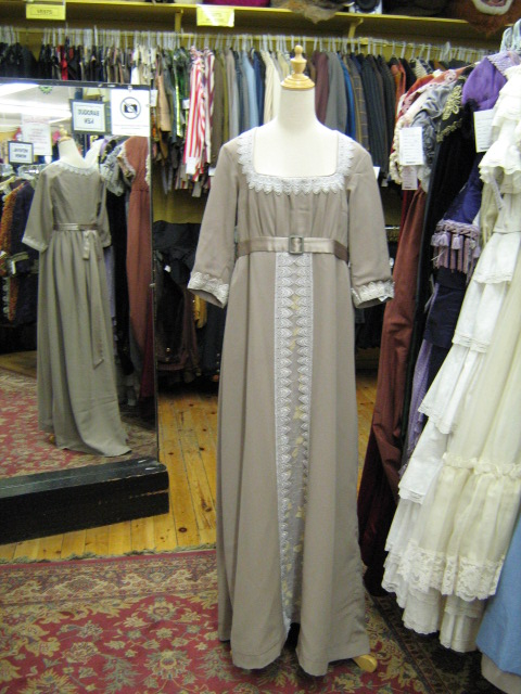 Dress Empire taupe.jpg
