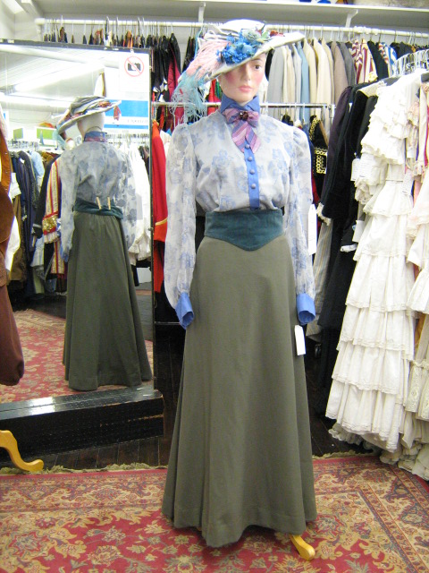 Blouse blue skirt green.jpg