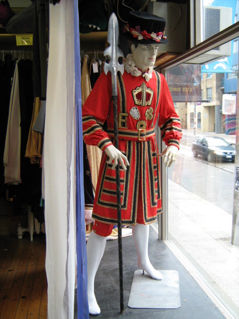 Beefeater with spear.jpg